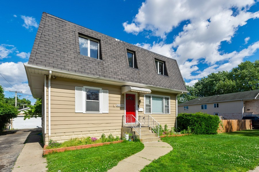 Real Estate Photography - 4315 Wenonah Avenue, Stickney, IL, 60402 - Front View
