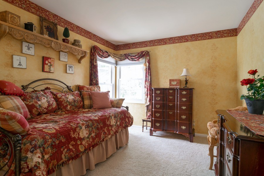 Real Estate Photography - 598 Golfers Lane, Bartlett, IL, 60103 - 2nd Bedroom