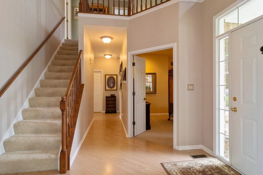 Real Estate Photography - 598 Golfers Lane, Bartlett, IL, 60103 - Foyer