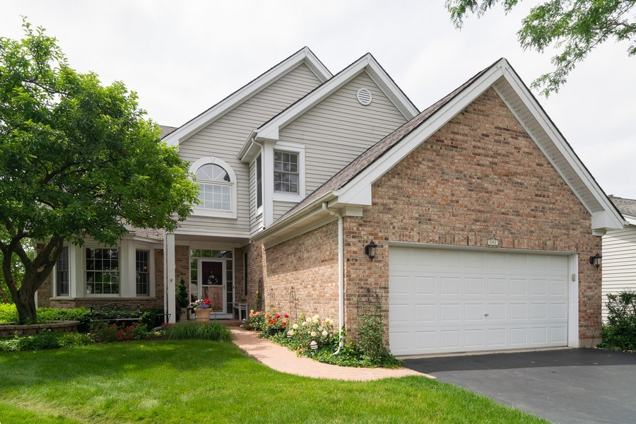 Real Estate Photography - 598 Golfers Lane, Bartlett, IL, 60103 - Front View