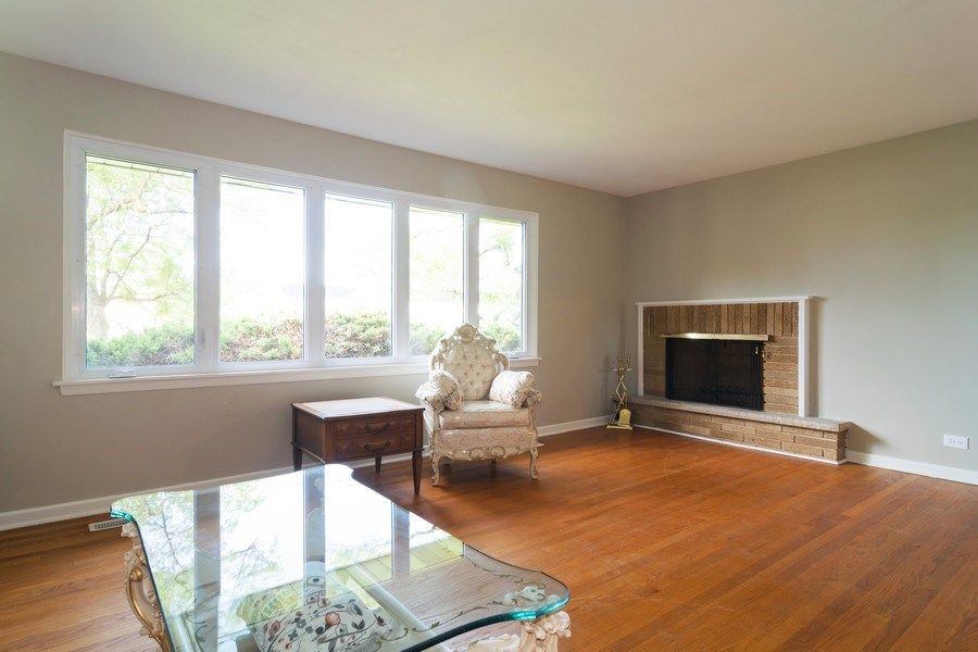 Real Estate Photography - 21W516 Army Trail Rd, Addison, IL, 60101 - Living Room