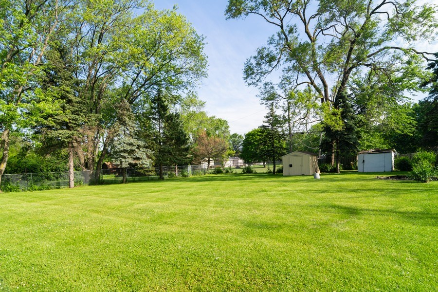 Real Estate Photography - 21W516 Army Trail Rd, Addison, IL, 60101 - Back Yard
