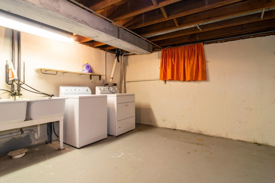 Real Estate Photography - 21W516 Army Trail Rd, Addison, IL, 60101 - Laundry Room