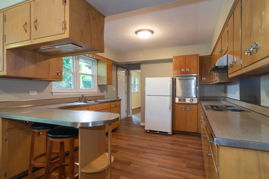 Real Estate Photography - 21W516 Army Trail Rd, Addison, IL, 60101 - Kitchen