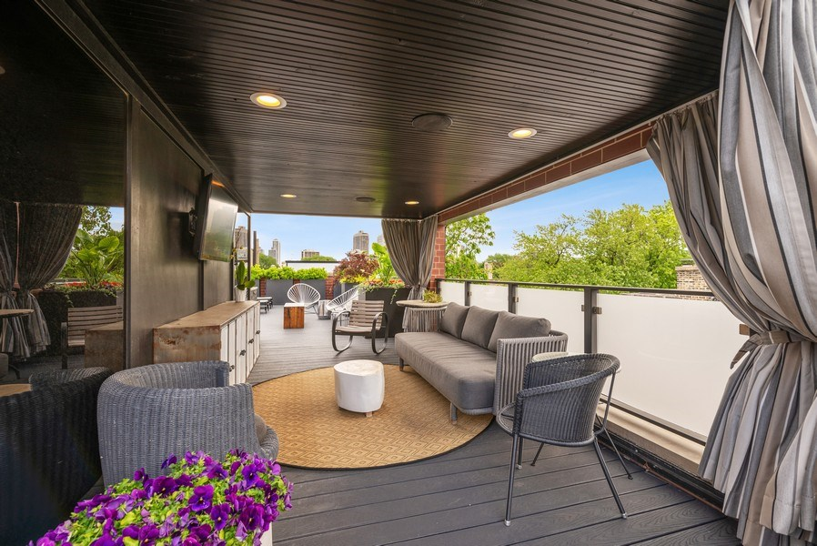Real Estate Photography - 2744 N. Mildred Avenue, Unit 3, Chicago, IL, 60614 -
