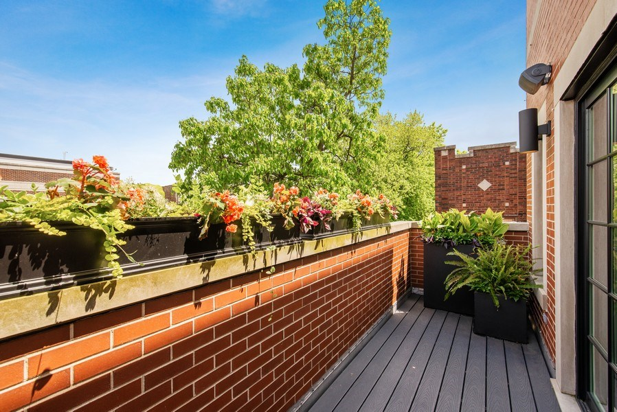 Real Estate Photography - 2744 N. Mildred Avenue, Unit 3, Chicago, IL, 60614 - Deck