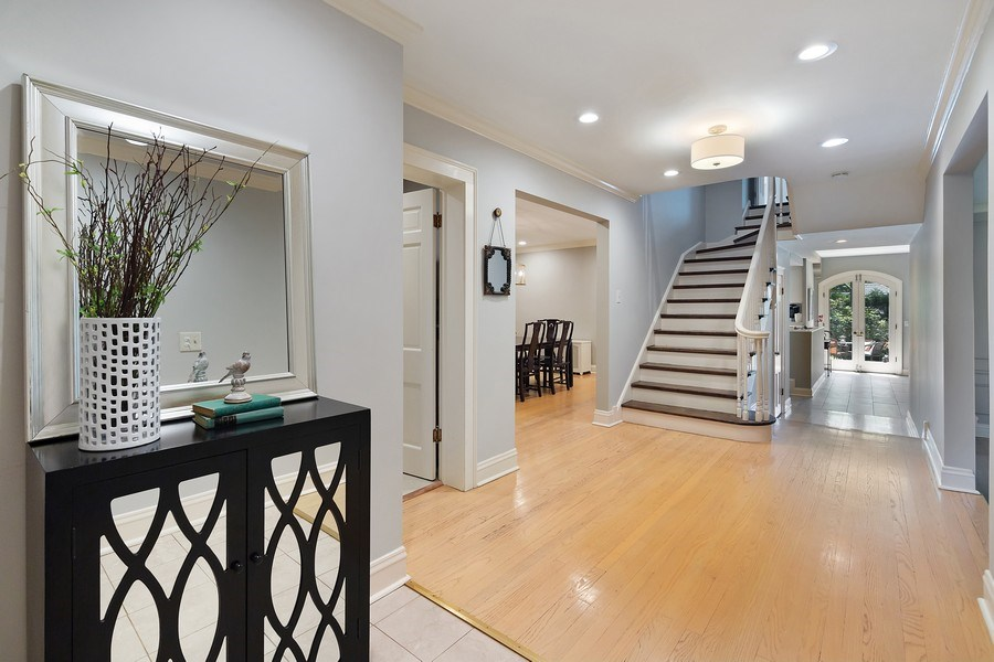 Real Estate Photography - 1288 Westmoor Trail, Winnetka, IL, 60093 - Foyer