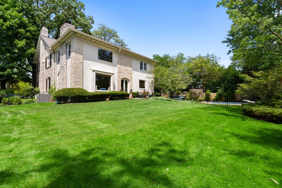 Real Estate Photography - 1288 Westmoor Trail, Winnetka, IL, 60093 - Rear View
