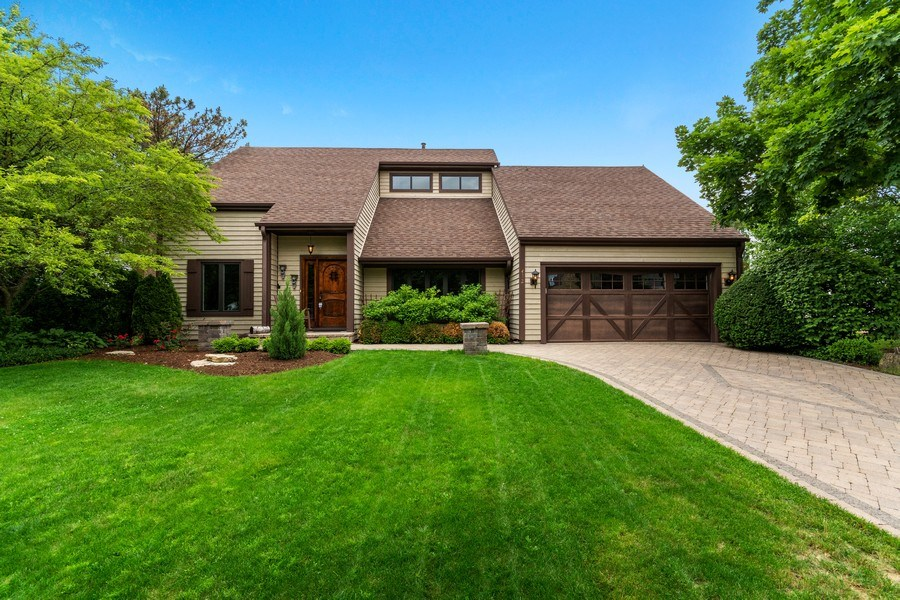 Real Estate Photography - 412 Wakefield Lane, Geneva, IL, 60134 - Front View