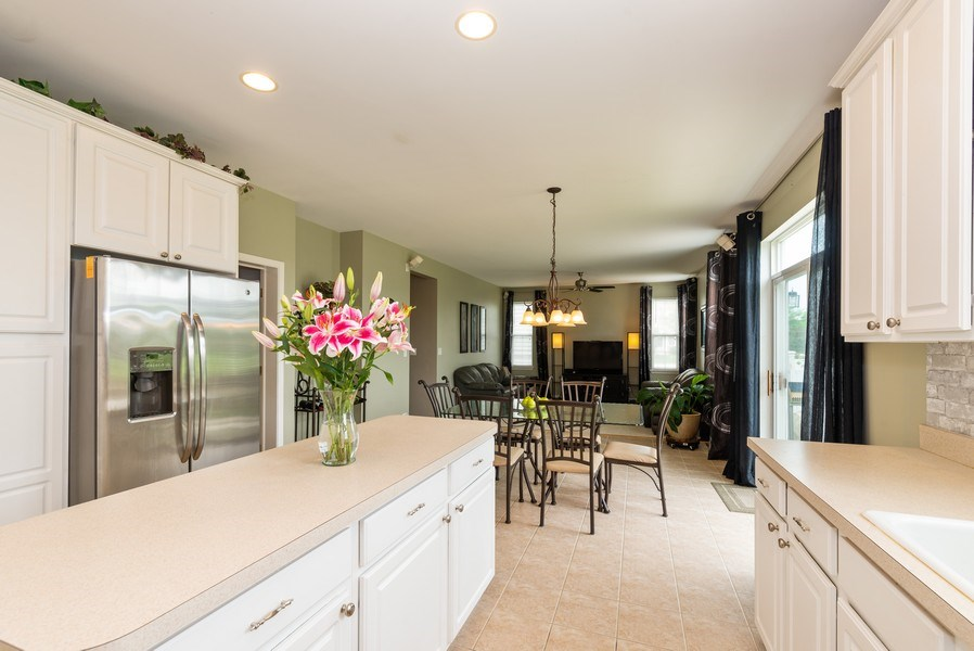 Real Estate Photography - 3172 Humbolt Avenue, Elgin, IL, 60124 - Family Room / Kitchen