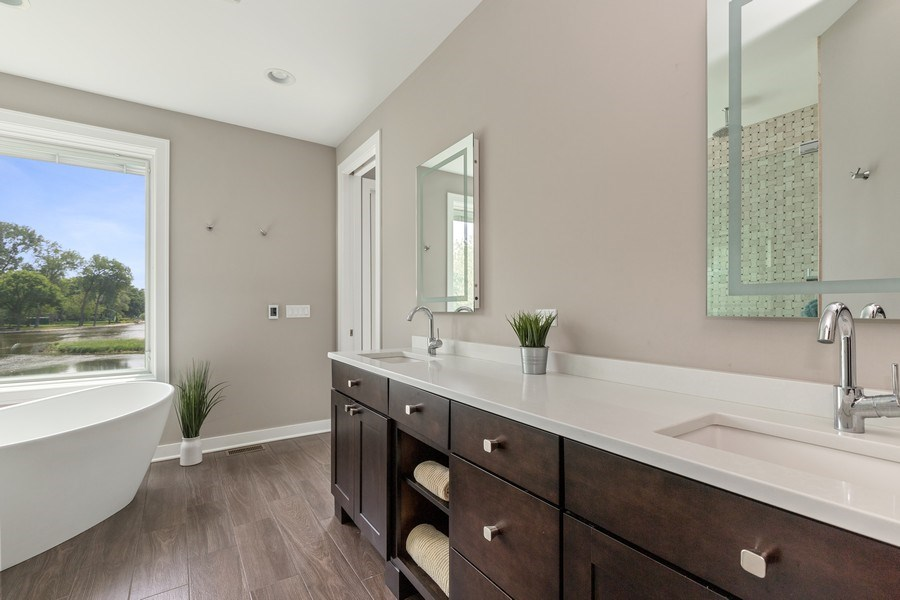 Real Estate Photography - 40669 North Newport Drive, Antioch, IL, 60002 - Master Bathroom