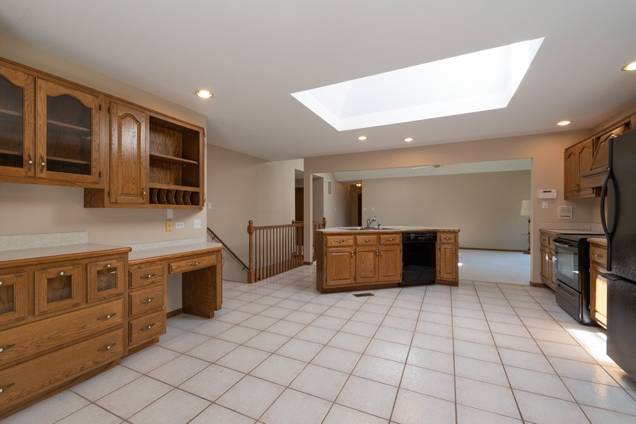 Real Estate Photography - 10840 West 153Rd St, Orland Park, IL, 60467 - Kitchen