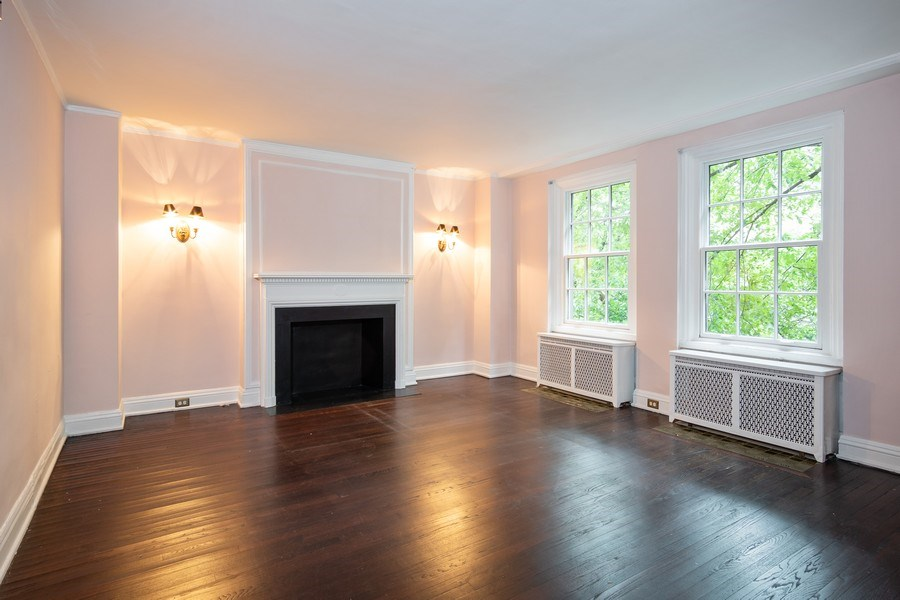 Real Estate Photography - 210 E. PEARSON Street, Unit 4D, Chicago, IL, 60611 - Living Room