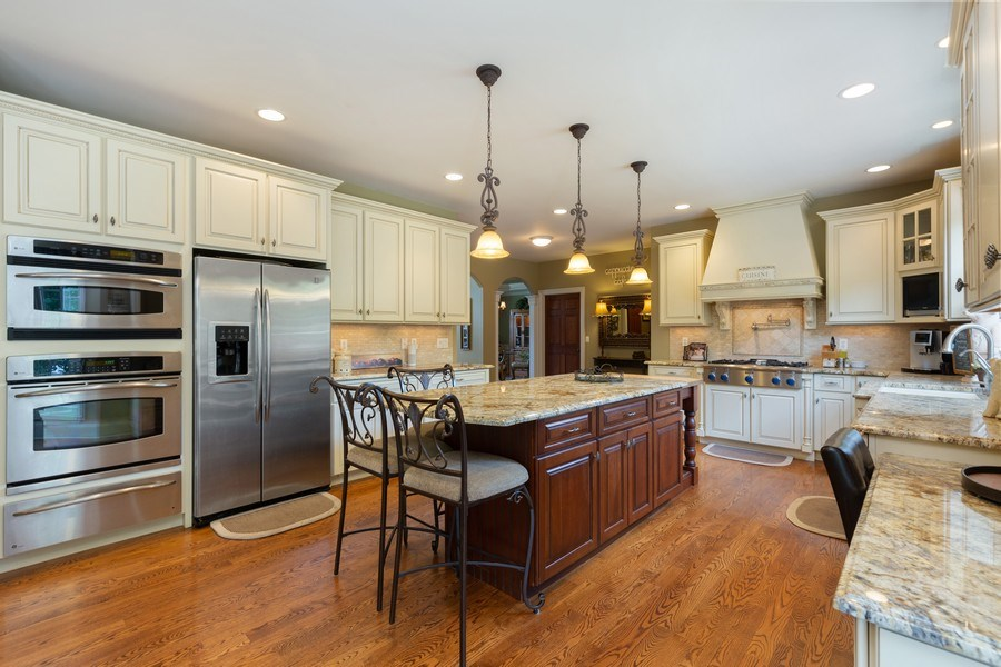 Real Estate Photography - 5620 Meadowbrook Lane, Crystal Lake, IL, 60014 - Kitchen