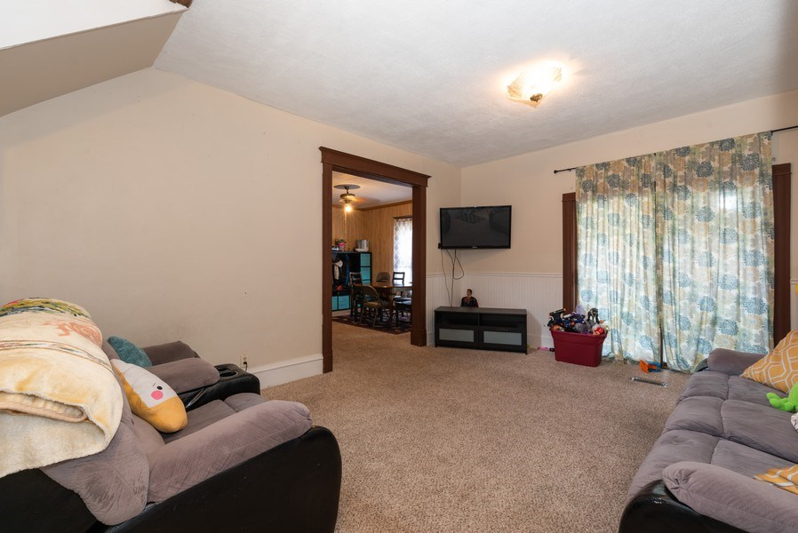 Real Estate Photography - 914 Wicker St, Woodstock, IL, 60098 - Living Room