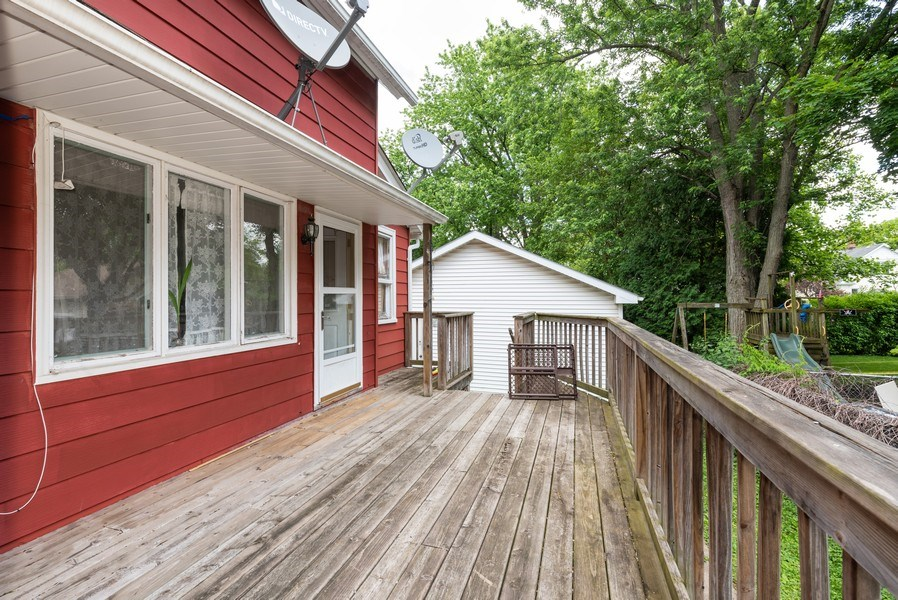 Real Estate Photography - 914 Wicker St, Woodstock, IL, 60098 - Deck