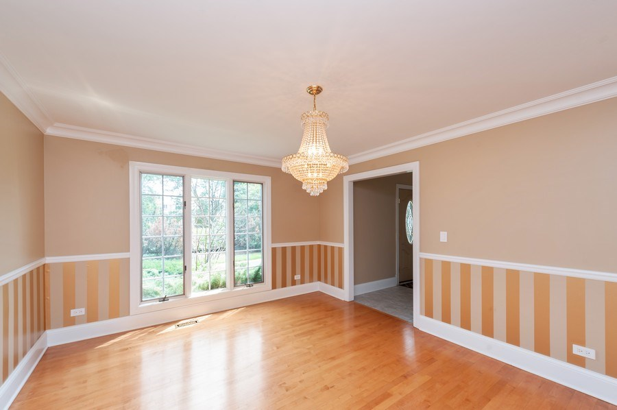 Real Estate Photography - 14 South Meadow Ct, South Barrington, IL, 60010 - Dining Room