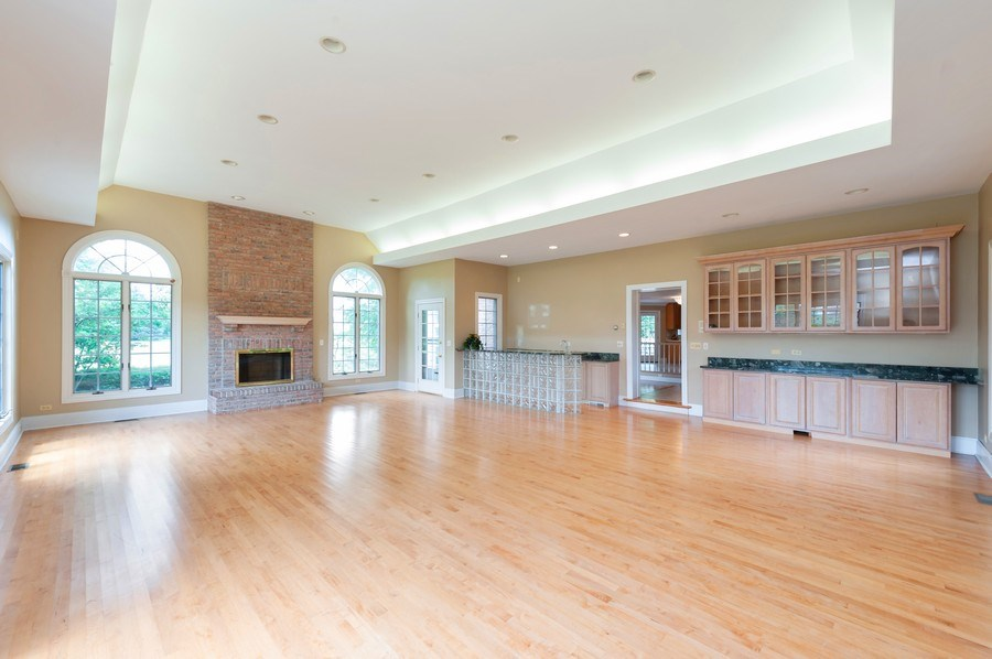 Real Estate Photography - 14 South Meadow Ct, South Barrington, IL, 60010 - Great Room