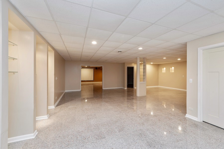 Real Estate Photography - 14 South Meadow Ct, South Barrington, IL, 60010 - Basement