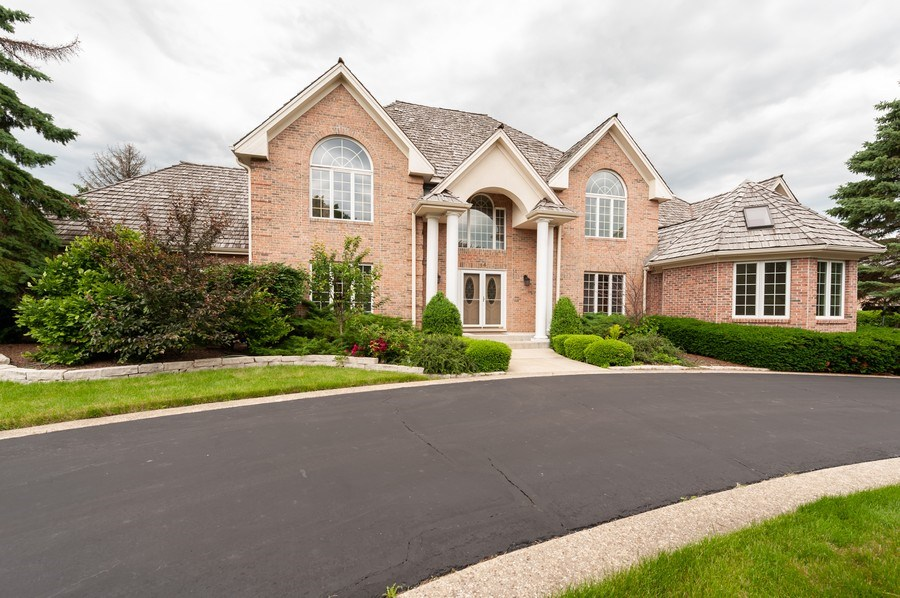 Real Estate Photography - 14 South Meadow Ct, South Barrington, IL, 60010 - Front View
