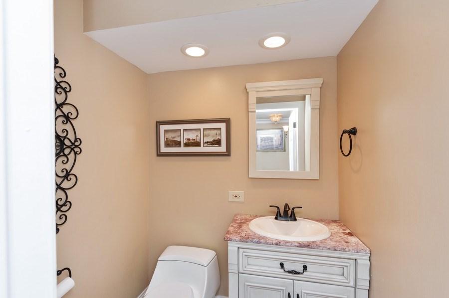 Real Estate Photography - 14 South Meadow Ct, South Barrington, IL, 60010 - Half Bath