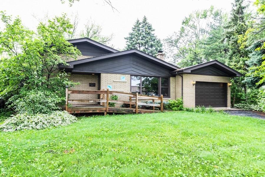 Real Estate Photography - 10850 S. Natchez Avenue, Worth, IL, 60482 - Front View