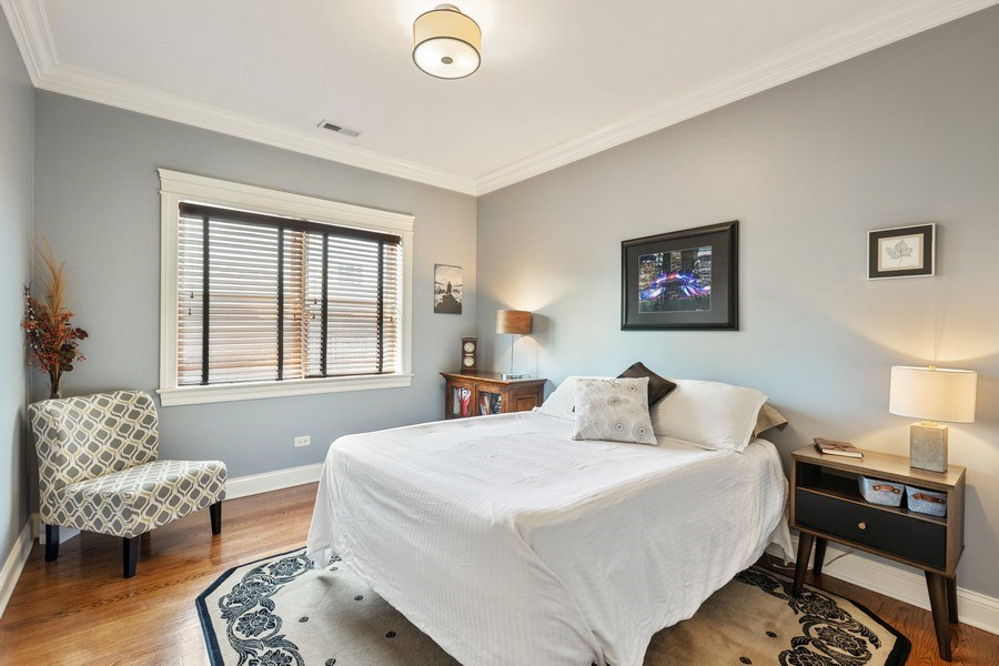 Real Estate Photography - 5014 N. KENMORE Avenue, Unit 3S, Chicago, IL, 60640 - Bedroom
