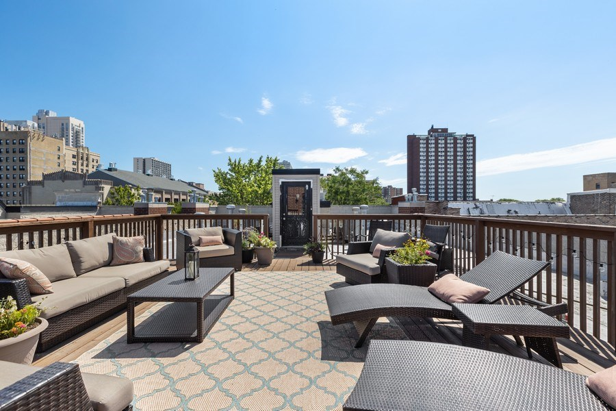 Real Estate Photography - 5014 N. KENMORE Avenue, Unit 3S, Chicago, IL, 60640 - Roof Deck