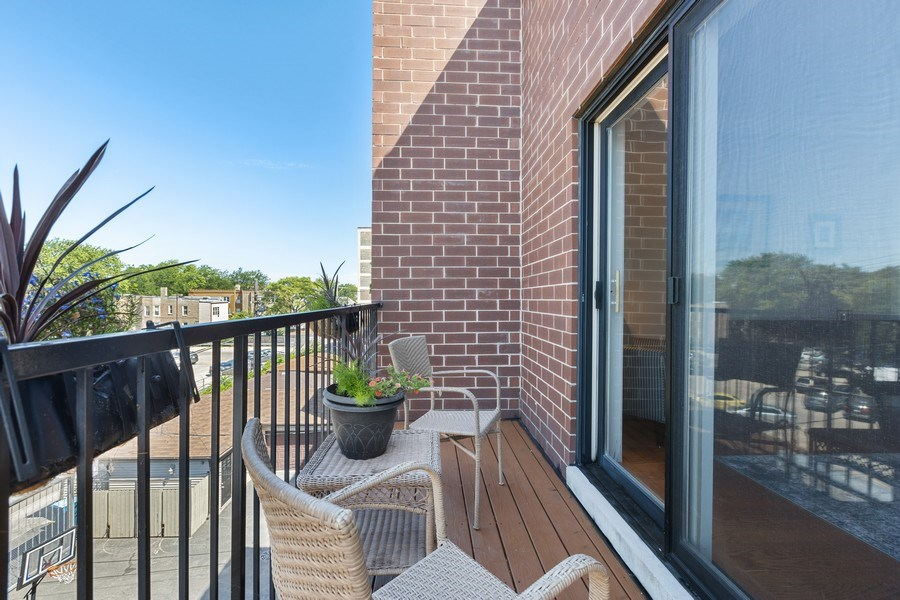 Real Estate Photography - 5014 N. KENMORE Avenue, Unit 3S, Chicago, IL, 60640 -