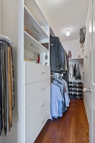 Real Estate Photography - 5014 N. KENMORE Avenue, Unit 3S, Chicago, IL, 60640 - Master Bedroom Closet