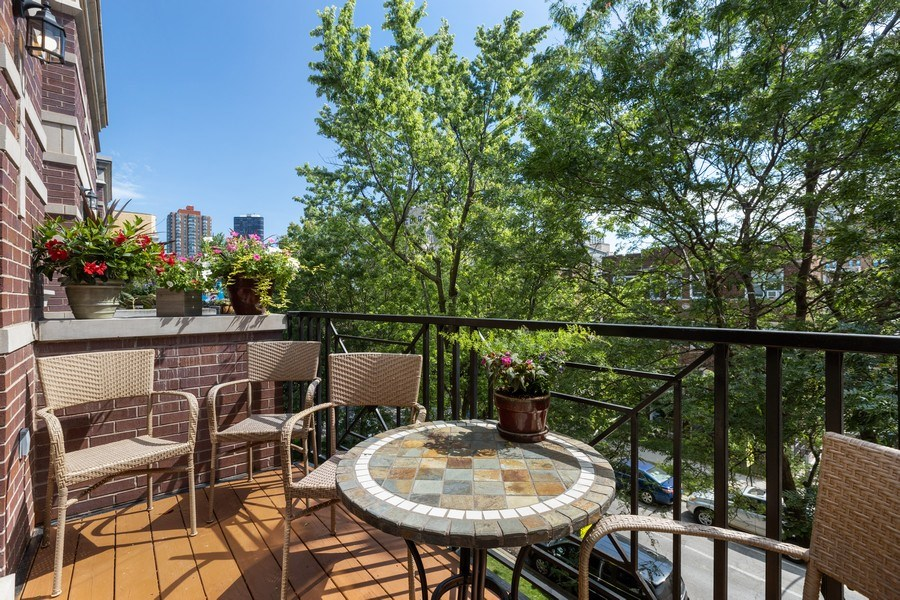 Real Estate Photography - 5014 N. KENMORE Avenue, Unit 3S, Chicago, IL, 60640 - Balcony