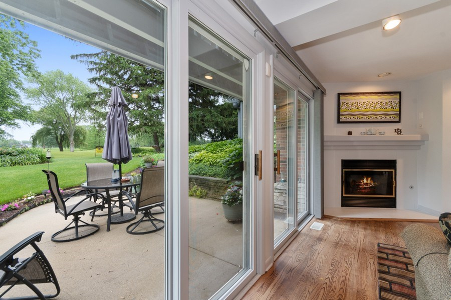 Real Estate Photography - 821 Burning Tree Ln, Naperville, IL, 60563 - Amazing golf views & enjoy a gas FP