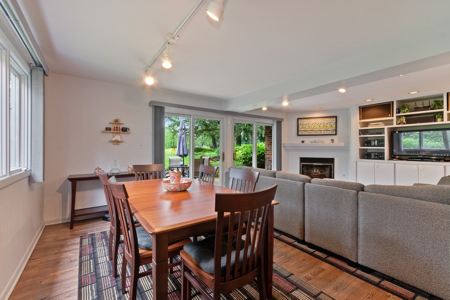 Real Estate Photography - 821 Burning Tree Ln, Naperville, IL, 60563 - The kitchen is open to the eating area
