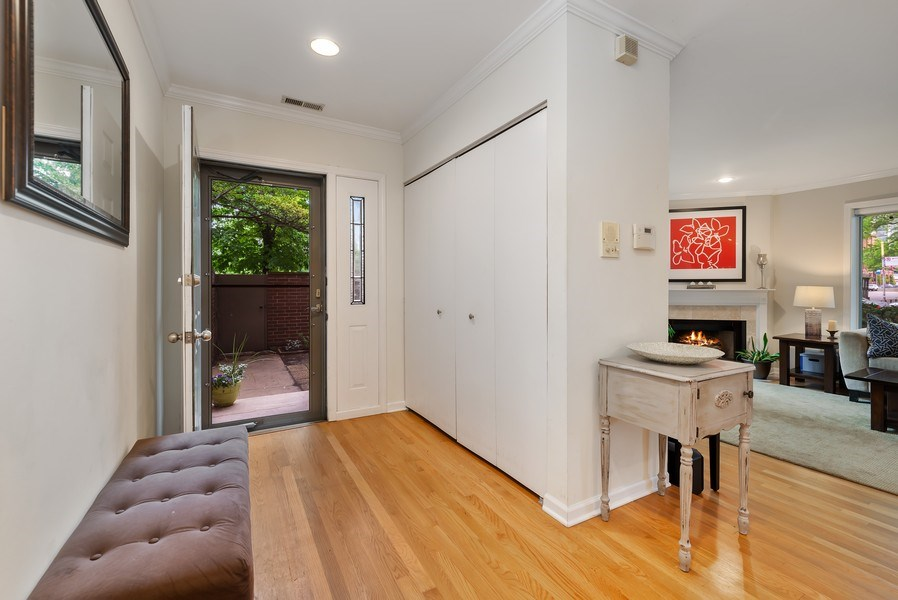 Real Estate Photography - 1720 N. La Salle Drive, Unit 7, Chicago, IL, 60614 - Foyer
