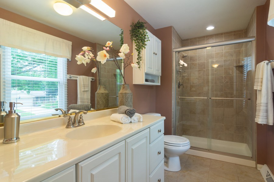 Real Estate Photography - 1339 E. Best Drive, Arlington Heights, IL, 60004 - Master Bathroom