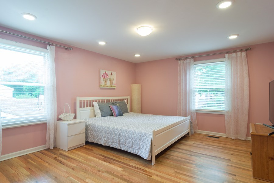 Real Estate Photography - 1339 E. Best Drive, Arlington Heights, IL, 60004 - 2nd Bedroom