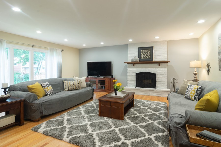 Real Estate Photography - 1339 E. Best Drive, Arlington Heights, IL, 60004 - Family Room was expanded & opened to Kitchen