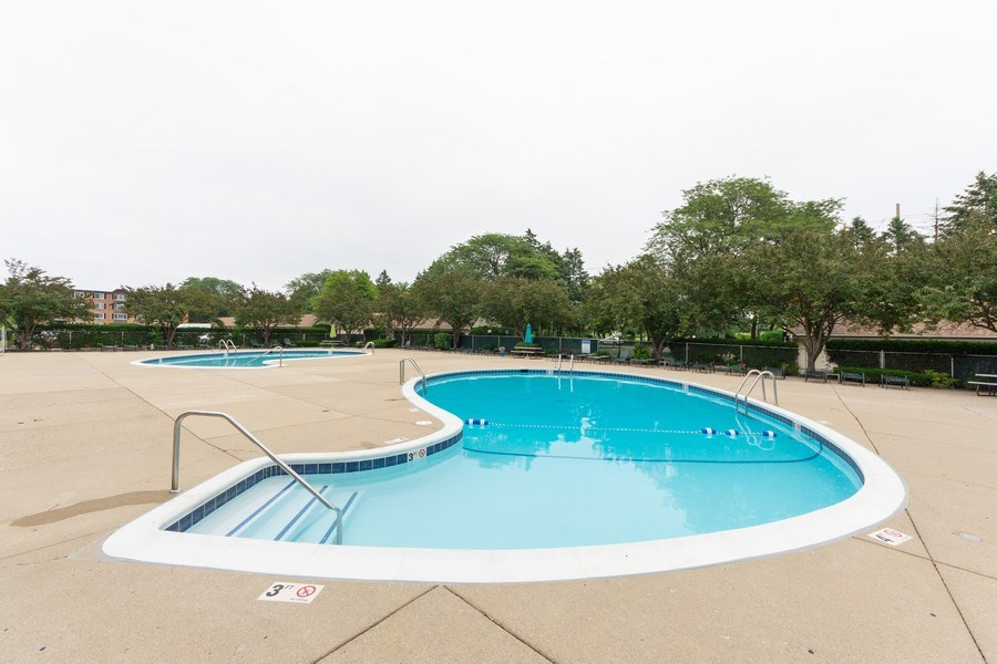 Real Estate Photography - 1116 S. New Wilke Road, Unit RD301, Arlington Heights, IL, 60005 - Pool