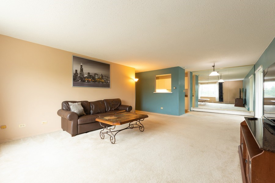 Real Estate Photography - 1116 S. New Wilke Road, Unit RD301, Arlington Heights, IL, 60005 - Living Room / Dining Room