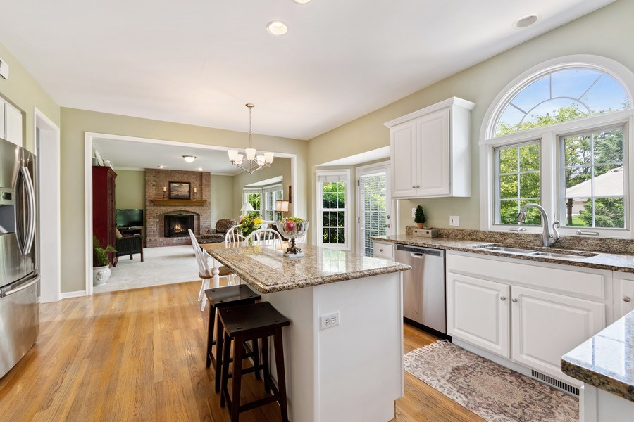 Real Estate Photography - 40W186 Jack London Street, St. Charles, IL, 60175 - Kitchen