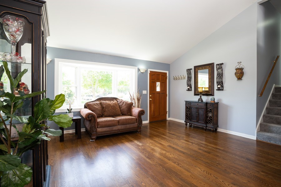 Real Estate Photography - 189 Martha Street, Bensenville, IL, 60106 - Living Room