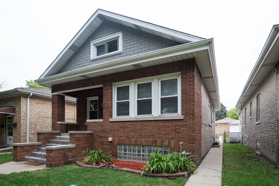 Real Estate Photography - 3127 Highland Avenue, Berwyn, IL, 60402 - Front View