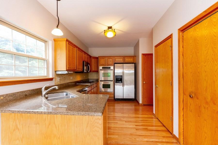 Real Estate Photography - 6810 White Egret Ct, Tinley Park, IL, 60477 - Kitchen