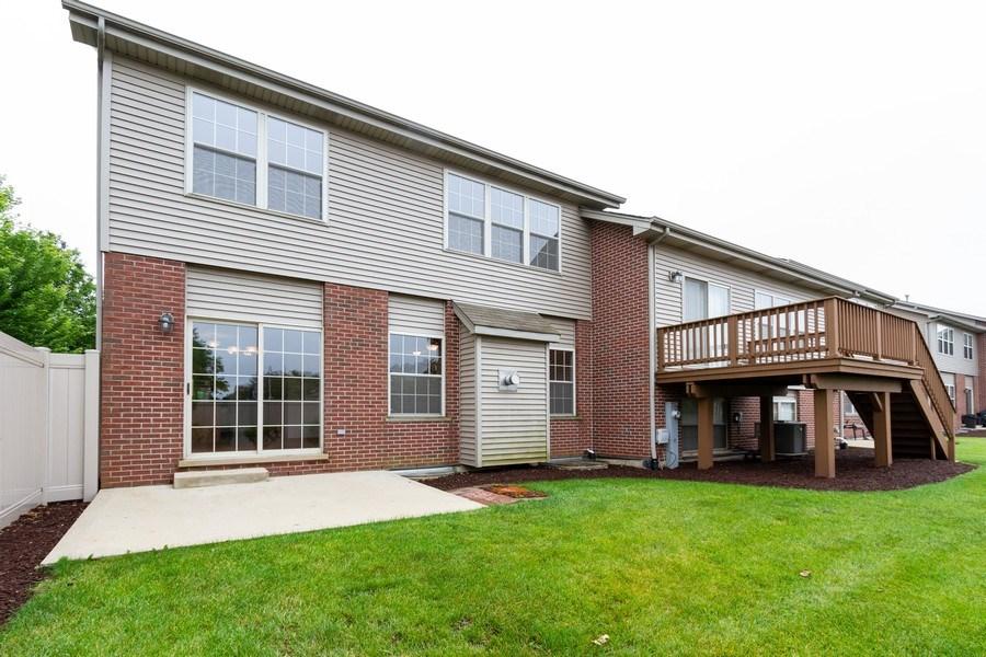 Real Estate Photography - 6810 White Egret Ct, Tinley Park, IL, 60477 - Rear View