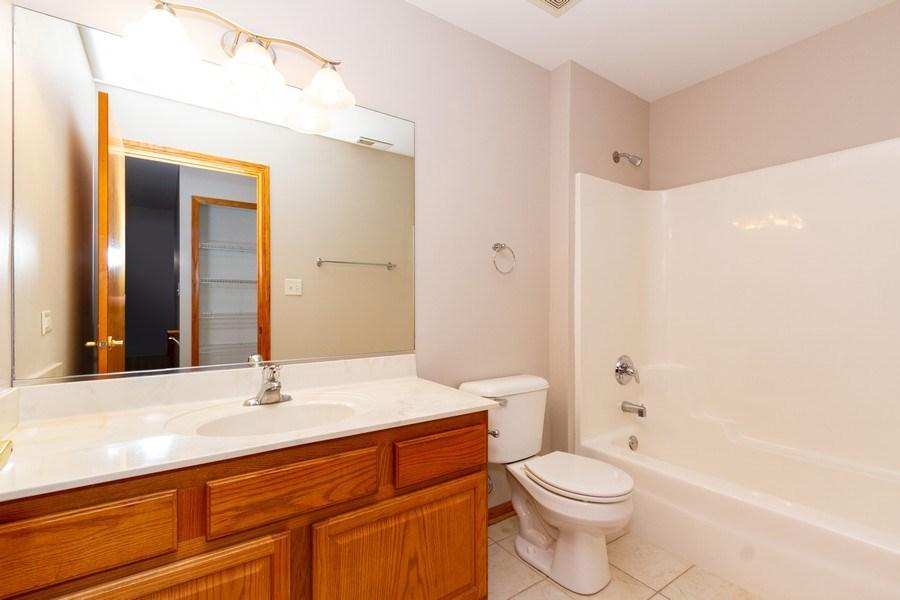 Real Estate Photography - 6810 White Egret Ct, Tinley Park, IL, 60477 - Bathroom