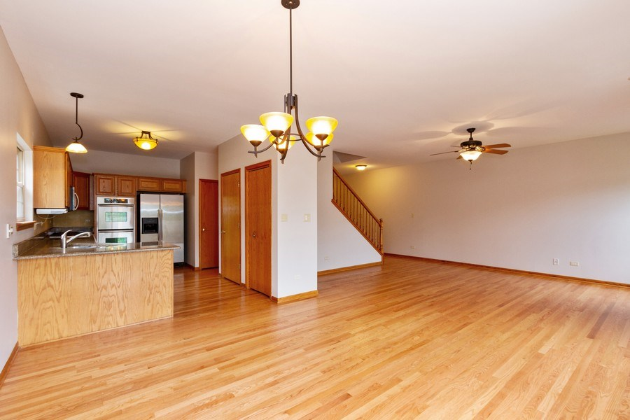 Real Estate Photography - 6810 White Egret Ct, Tinley Park, IL, 60477 - Kitchen / Dining Room