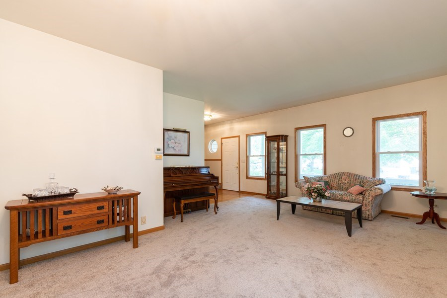 Real Estate Photography - 297 North Cambridge Ct, Grayslake, IL, 60030 - Living Room
