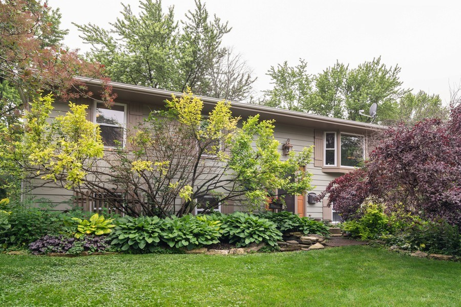 Real Estate Photography - 1270 Fellows Street, St. Charles, IL, 60174 - Front View