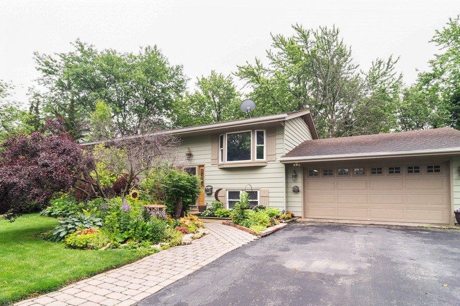 Real Estate Photography - 1270 Fellows Street, St. Charles, IL, 60174 - Side View