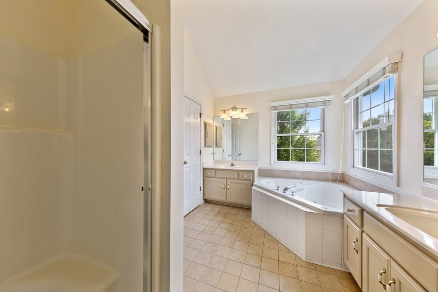Real Estate Photography - 24265 Eagle Chase Drive, Plainfield, IL, 60544 - Master Bathroom